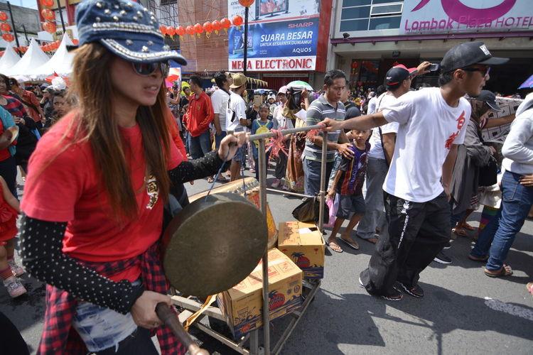 chinese new year celebration on mataram, lombok island, indonesia Nikon D7100 Asian Culture Chinese New Year Large Group Of People Nikonphotography Street Performance Street Photography Imlek 2016