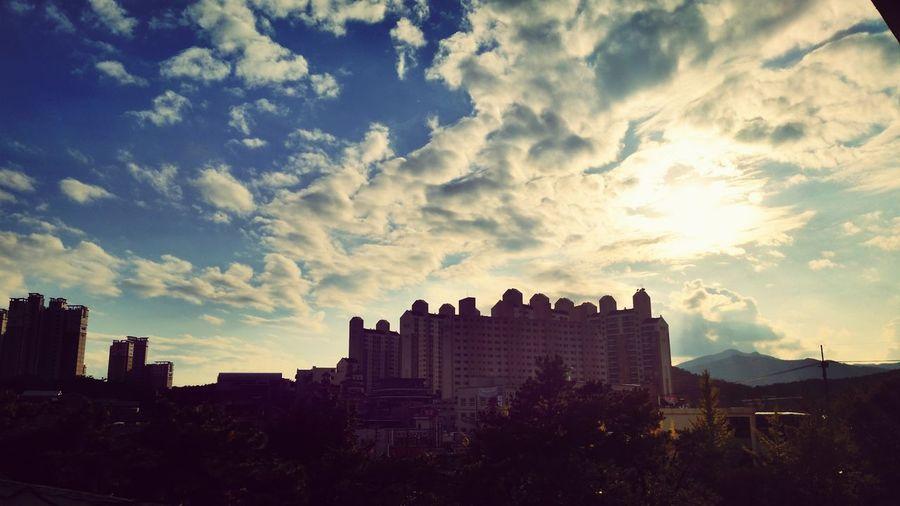 유성고등학교 Clouds And Sky Building