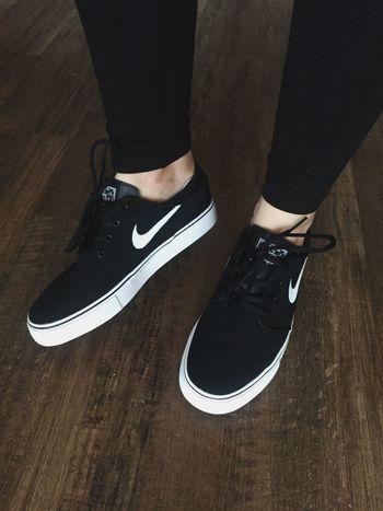 Nike New Nikesb StefanJanoski Janovski Shoes ♥ Shoes Black Legs Newin Girls Hello World Girl Fashion Fashionkilla
