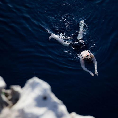 Nado siniestro Marine Motion One Person Real People Sea Swimming Underwater Water