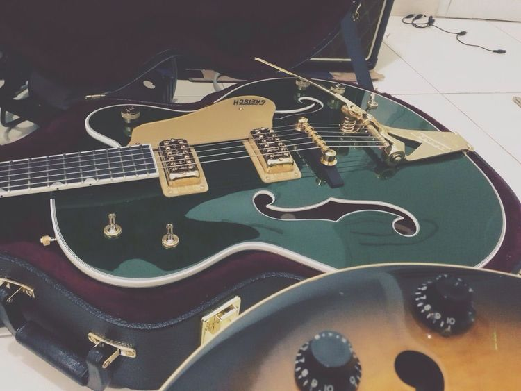 Vesper! Gretsch Guitar
