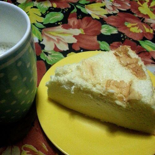 cotton soft japanesse cheesecake & milk.🍰 Freshlybake Gutom Crave