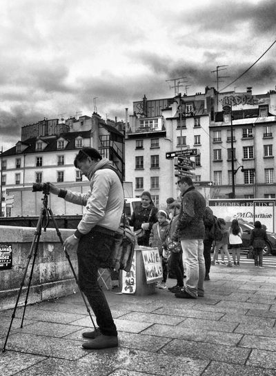 Up Close Street Photography Streetphotography Hanging Out Taking Photos EyeEm Best Shots Paris Walking Around IPhoneography The Tourist Streephotographer EyeEm Best Shots - Black + White Photographer Streetphoto_bw