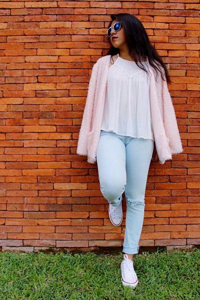 Fashion Brick Wall Eyeglasses  Standing