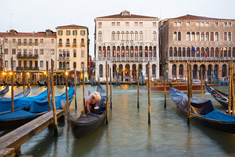 Venice Canals Venice, Italy Architecture Building Exterior Built Structure Canal Gondola Gondola - Traditional Boat Gondolier Italy Mode Of Transportation Nautical Vessel Tourism Transportation Travel Travel Destinations Venice Water
