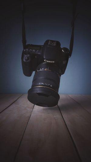 DSLR Camera -
