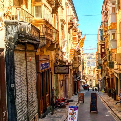 I love walking through Valletta. Cityscape Charming Photography Malta Street Streetphotography Architecture Valletta First Eyeem Photo The Great Outdoors - 2018 EyeEm Awards EyeEmNewHere The Traveler - 2018 EyeEm Awards The Street Photographer - 2018 EyeEm Awards