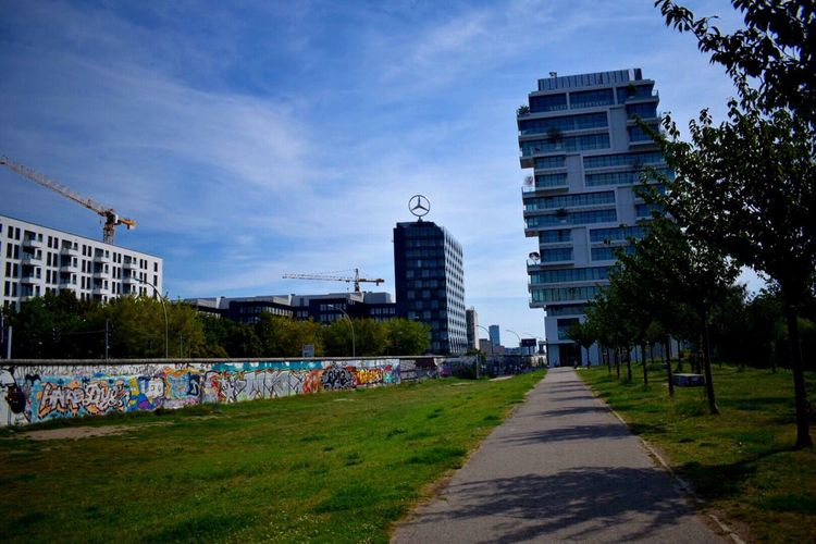 Grass Footpath City Tree Sky City Life Travel Destinations East Side Gallery The Way Forward Footpath City Life Berlin Photography Germany 🇩🇪 Deutschland TakeoverContrast