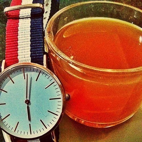 Lemon tea... Evenings @pondy Lemontea Teatime Pondicherry Beach Friends Mrplainwatches Watchesofinstagram Watchporn Watchfinder