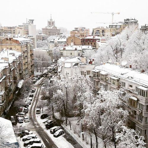 В Києві сніг