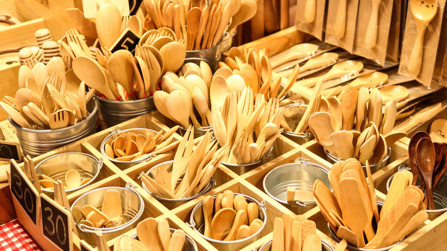 Handmade wooden cutlery exposed in a market. Market Shop Shopping Time Colours Wallpapers Architecture Geometry Posate Cutlery Wood Wooden Legno Homemade Fatto A Mano Legno Fork Knife Spoon Coltello Food Eat Eating Utensils Eating Utensil Artigianato Handicraft Artisanship Backgrounds Full Frame Close-up