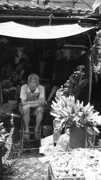 Age Candid Florist Life Market Stall Monochrome My Favorite Photo Smoking Streetphotography