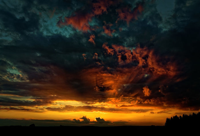 Cloud Beauty In Nature Claudetheen Cloud - Sky Dramatic Sky Nature Outdoors Silhouette Sky Sunset Tranquil Scene Tranquility Tree Capture The Moment