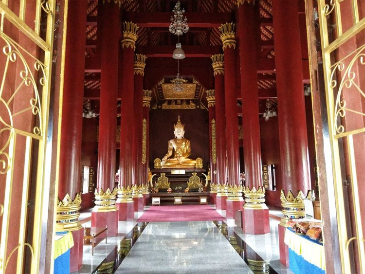 Religion Place Of Worship Spirituality Gold Colored Indoors  No People Statue Architecture Thailandtravel Temple Architecture Thailand Photos Templephotography Temple Thailand Chiangmai Thailand Cultures Praying Temple Belief In Thailand