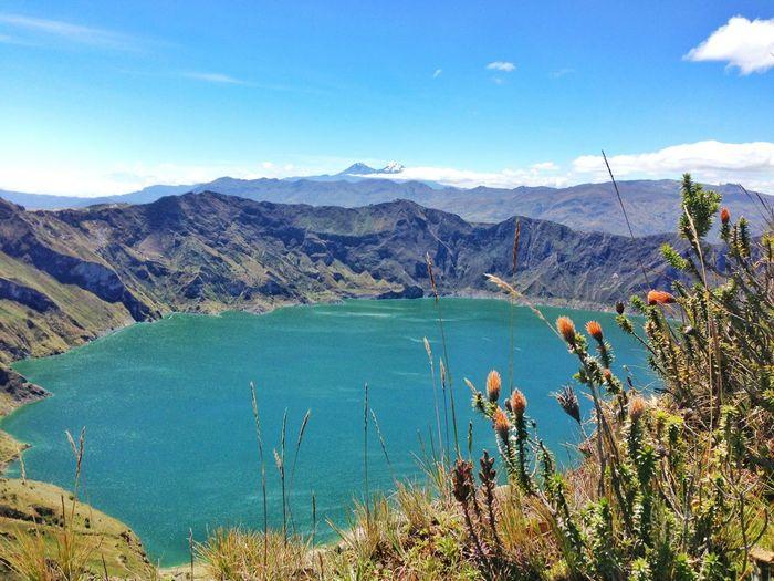 Laguna de Quilotoa - Cotopaxi - Ecuador AllYouNeedIsEcuador Viajaprimeroecuador Volcano Ecuadorpotenciaturistica Ecuadoramalavida Ecuador EyeEm Nature Lover Volcano Crater Laguna Lake Andes Landscape