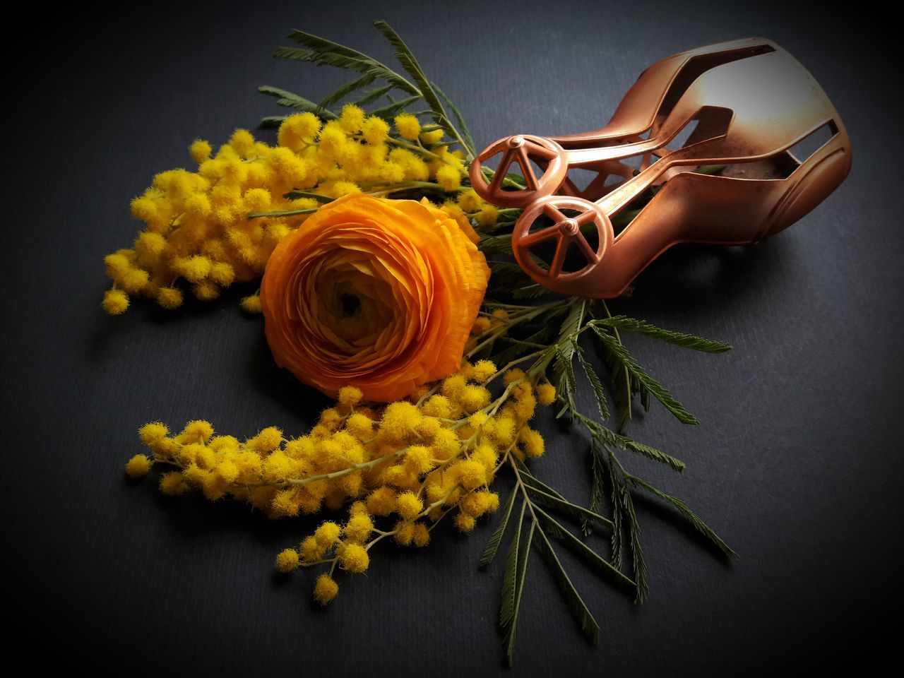 flower, no people, table, yellow, indoors, close-up, freshness, flower head, day
