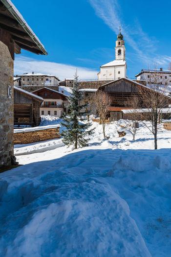 Historic village of sauris di sotto in the snow. winter dream. italy