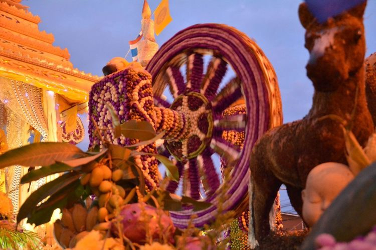 Style Flower Car Thailand Asian  South Travel Colroful Line Thai Pattern Festival Backgrounds Travel Destinations Statue Outdoors Sculpture Architecture No People Night