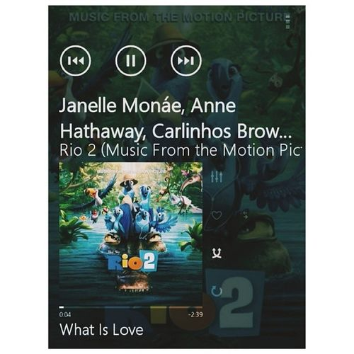 Nico, Blu, and Jewel. ? What is love if it's not with you? Whatislove JanelleMonae AnneHathaway Carlinhosbrown JamieFoxx JesseEisenberg Rio2 April9
