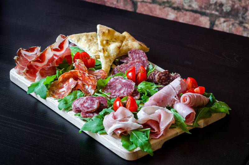 Meal Appetizer Board Charcuterie Cold Cuts Food Food And Drink Foodphotography Freshness Garnish Gourmet Healthy Eating Indoors  Meat No People Organic Plate Ready-to-eat Salami Still Life Table Tabletop Tray Wellbeing Yummy