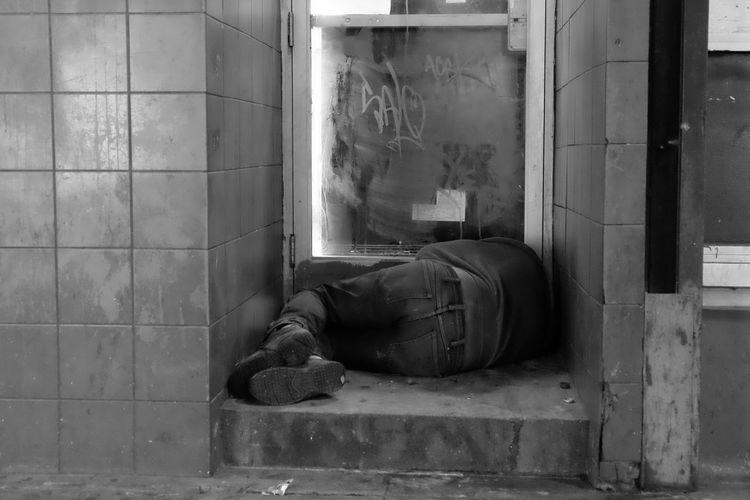 5th St. Outdoors LA Nights Blackandwhite Fujifilm_xseries Blackandwhitephotography Building Exterior Travel Destinations EventPhotography Building Order Nightonbroadway Los Angeles, California One Person Spirituality