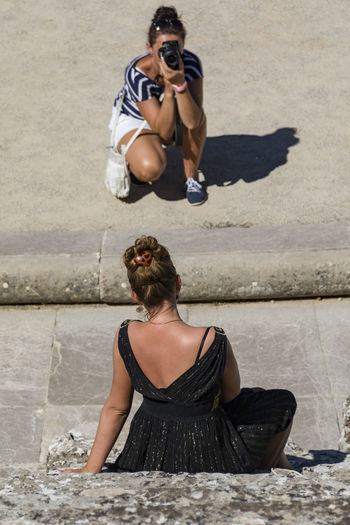Tourist_11 2woman Casual Clothing Day Epidaurus Fotography Hat Leisure Activity Lifestyles Outdoors Portrait Sunglasses Toothy Smile Travel Travel Photography Vacations