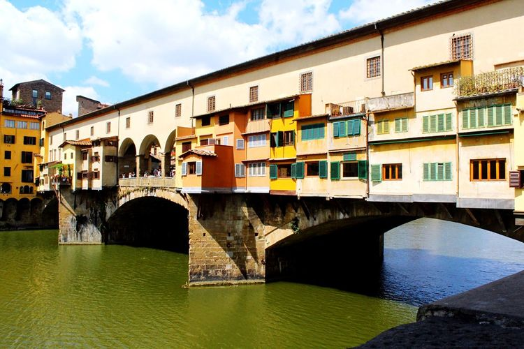 Architecturephotography Streetphoto Travel Photography Florence Italy Florence Tourism Ponte Vecchio Ponte Vecchio - Firenze Firenze Firenze, Italy Built Structure Architecture Building Exterior Water Bridge Bridge - Man Made Structure Sky Connection River City Arch Waterfront Nature Cloud - Sky Building Arch Bridge Outdoors