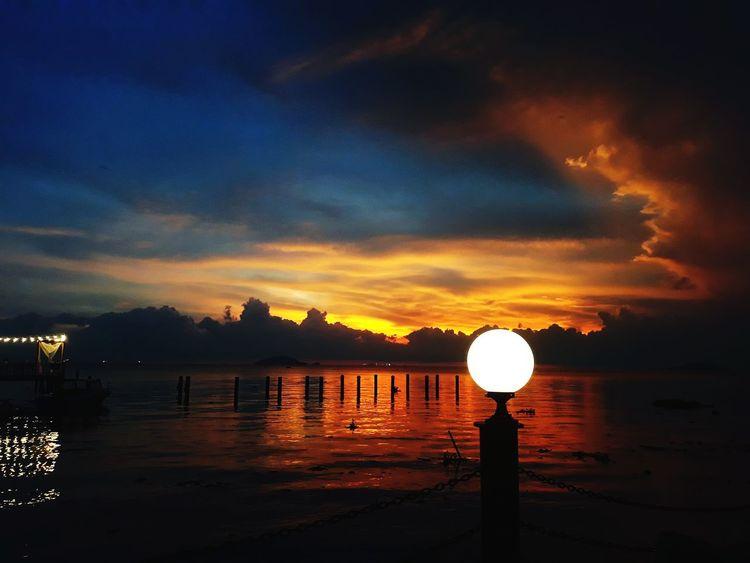 hôm nay trời auto đẹp Water Astronomy Sunset Sea Reflection Sky