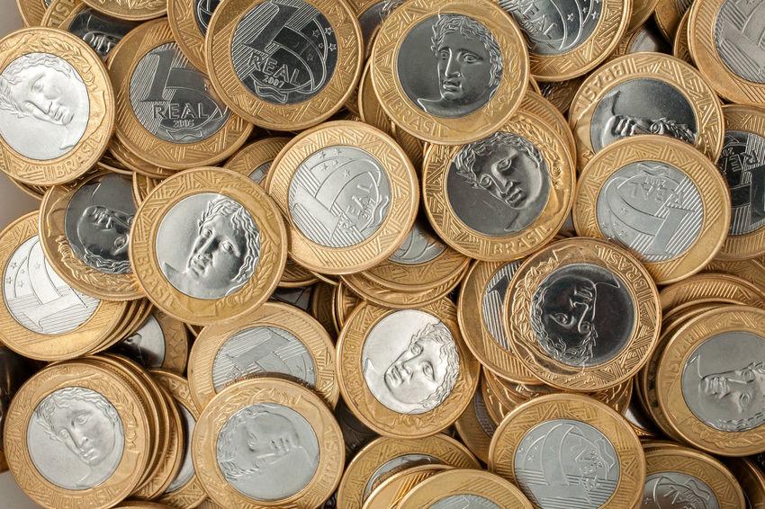 Economy Finances Gold Penny Riches Abundance Abundant Amount Bank Brazilian Coins Cash Coin Coins Crisis Currency Depreciation Finance Gain Gold Colored Inflation  Money Monochrome Pence Success Value