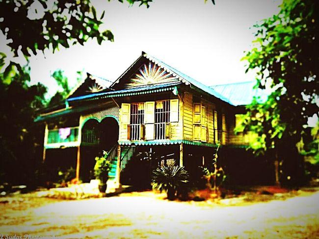 A Malaysian Village House Historicbuildings Village architecture