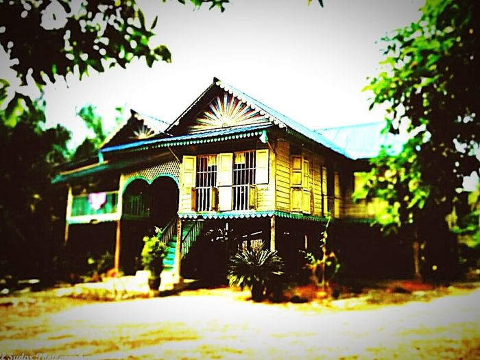 A Malaysian Village House Historicbuildings Village architecture