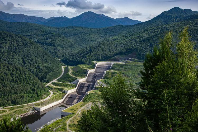 Sayano-shushenskaya dam hydroelectric power station, on the yenisei river, khakassia, russia