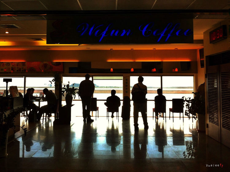 Taking Photos Interior Design Iphonephotography IPhoneography Silhouette Airport Taiwan Light And Shadow People