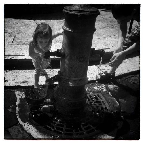 Freshen up at Roma IPhoneography Mobileart NEM Black&white Igerssherbrooke