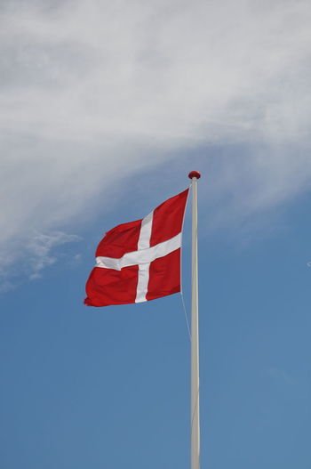 Denmark 🇩🇰 Blue Cloud - Sky Danmark Day Emotion Environment Flag Flag Of Denmark Independence Low Angle View National Icon Nature No People Outdoors Patriotism Pole Pride Red Sky Striped Waving White Color Wind