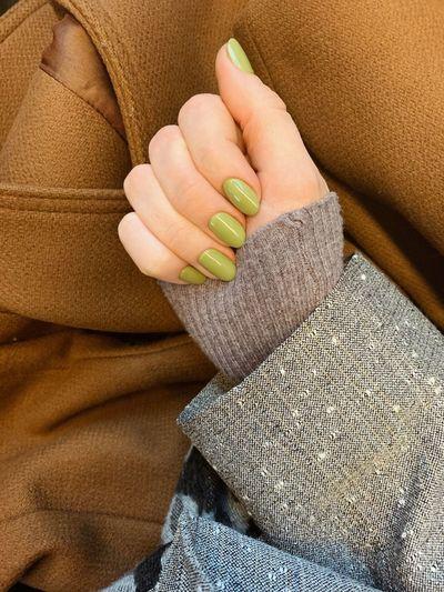 Nails Olive