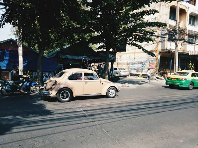 """the car "" Car Vintage Street Happy :) สะมะภพอินฟรุ้งฟริ้ง Happyday♥ Antique Venture Vintage Photo OPPOFS1 Sea And Sky Thailand Vintage Style"