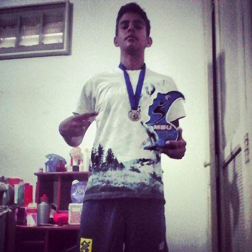 O primeiro de muitos que virão! Parabéns pelo 3° lugar e pelo troféu de Cestinha Do Campeonato, com quase 100 pontos! Orgulho Família Irmão Zica cestinha @oliveira_mateusjr
