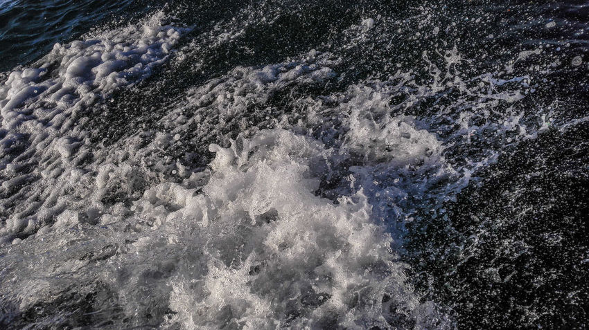 Boat Ride Splash Water Waterdrops Outdoors Stopmotion HuaweiMate7 Muscat , Oman الشاطئ عمان Huawei Phone Photography Mobile Photography Waterflow EyeEm Nature Lover EyeEm Vision Waterscape Stop Motion Beach Photography