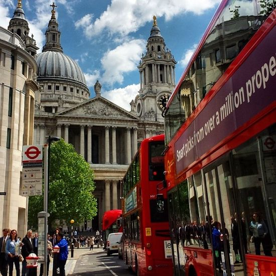 St. Paul's cathedral. StPaul London Cathedral Londonbus
