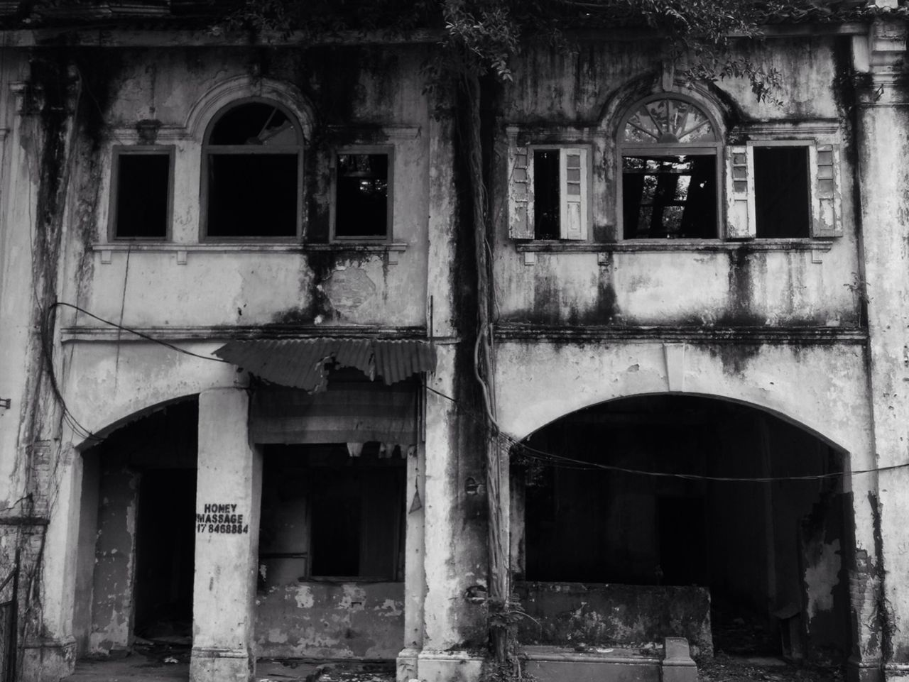 architecture, window, built structure, building exterior, old, abandoned, no people, damaged, day, outdoors