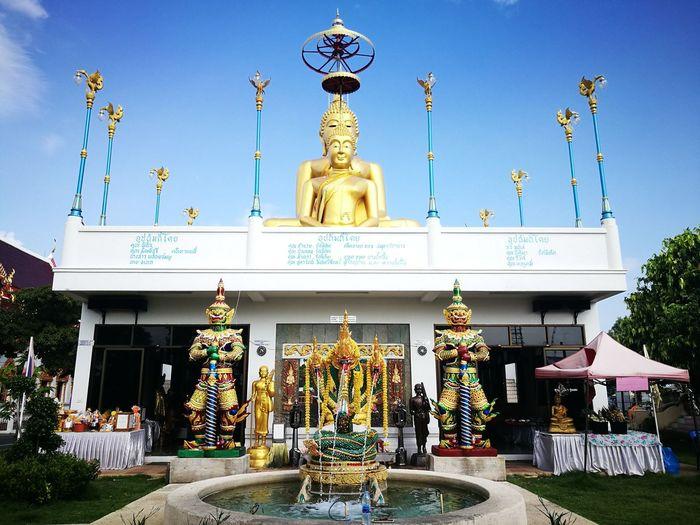วัดบางน้ำผึ้งนอก Thailand Temple - Building City Statue Sculpture Place Of Worship Religion Gold Sky Architecture