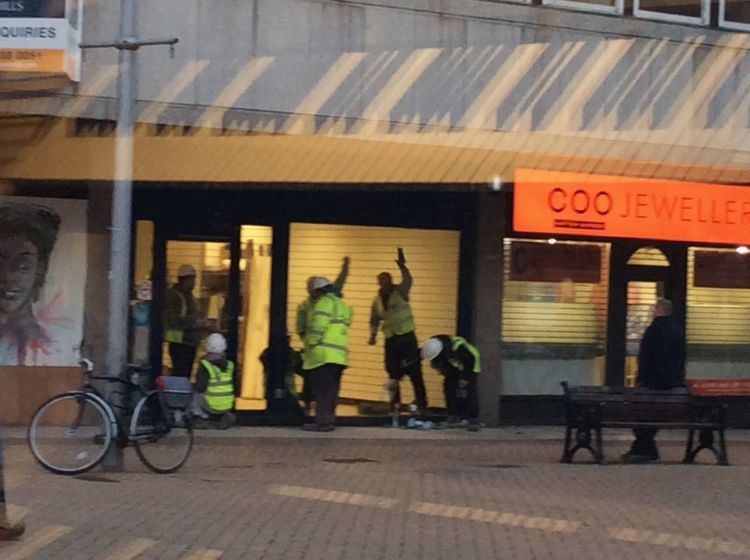Window Cleaning Working Hard Check This Out Shop Window Showcase March Builders Chelmsford High Street took this photo from where I work, as it made me laugh, how many builders does it take to clean a window. 😃😃😃😃