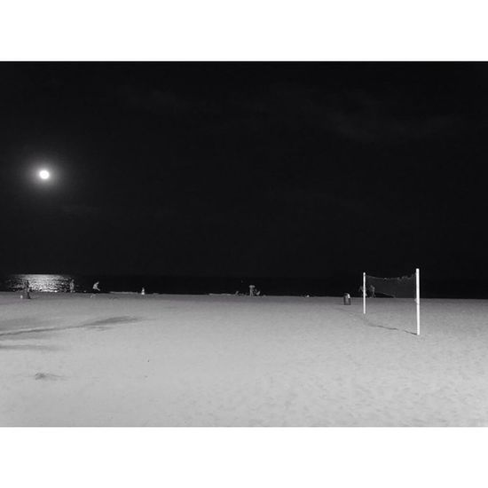 ? by me. Playa Praia Rede De vôlei volleyball bw moon