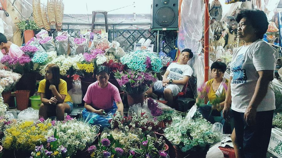 Family Business People And Places Streetphotography Street Life Quiapo Manila, Philippines EyeEmPhilppines Choosephilippines2016 Flower Photojournalism Documentary First Eyeem Photo The Week On EyeEm EyeEm Best Shots