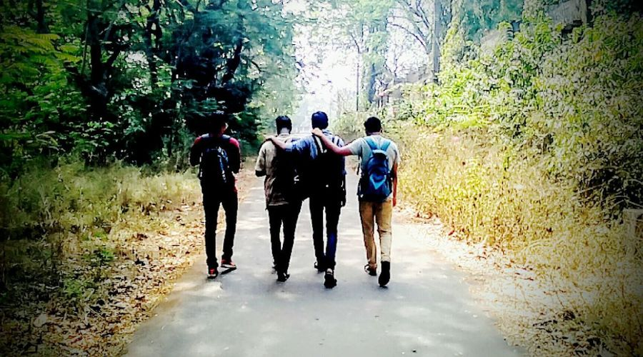 With friends like family no problem seems hard enough.... Photographic Memory Memories Road Stroll Fun Enjoying Life Friends Family Brothers Natural Shoot