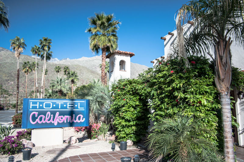 Hotel California Song Now Closed Eagles Signs Hotel Music Palm Springs Welcome To The Hotel California