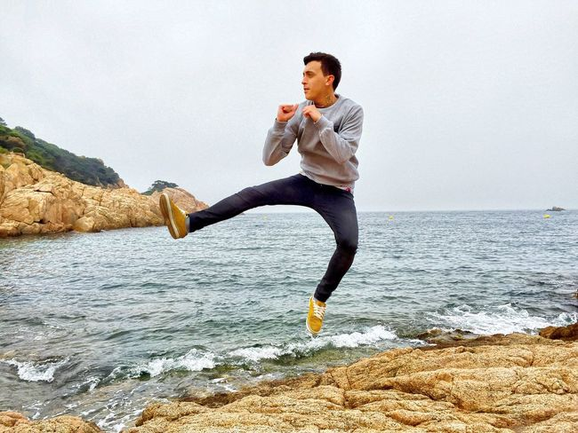 🏃🏽🌊☀️ JustMe Jump Kick Jumping Sea Relaxing Taking Photos Photooftheday Picoftheday Check This Out