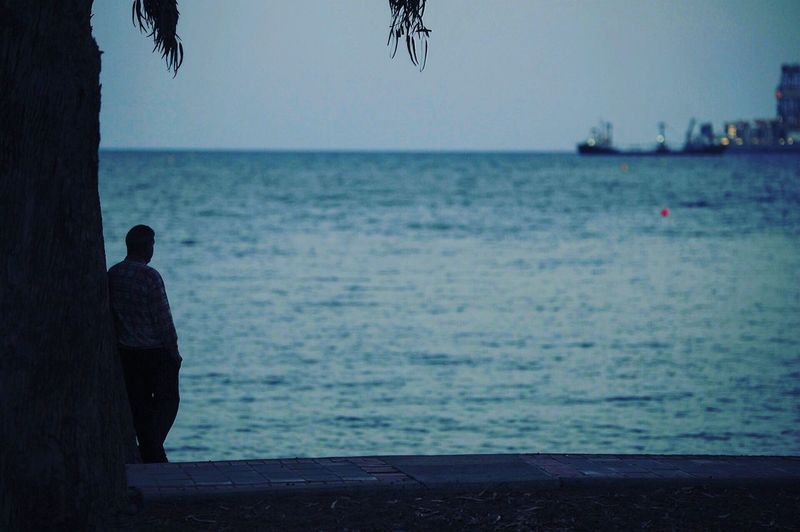 Sea Horizon Over Water Real People Men Nature Lifestyles Beach Rear View One Person Beauty In Nature Sky