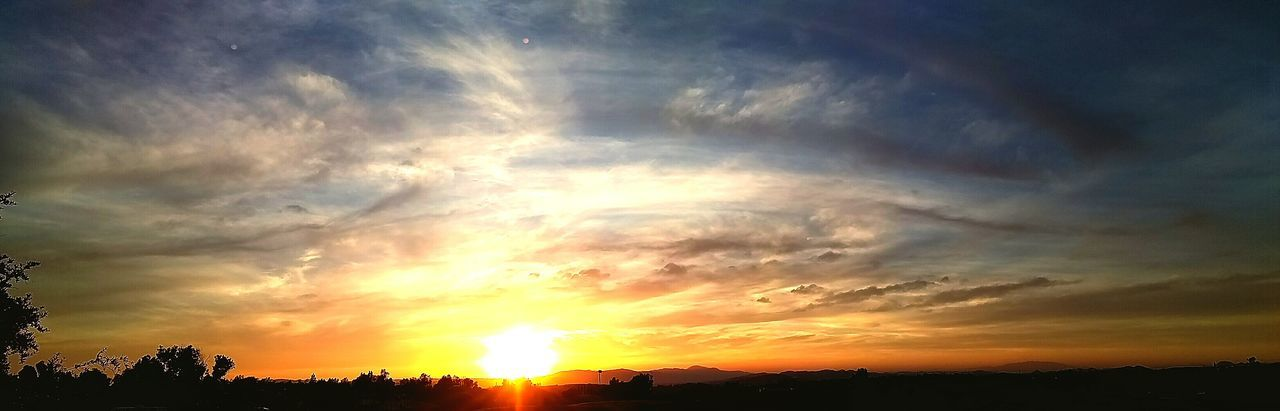 Check This Out Design By Nature Fire In The Sky Beautiful Sunset Sunset On The Ranch Warm Colors Mountain Sunset Country Sky